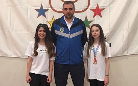 Öğrencimiz-Gizem-Kahya-Satrançta-Türkiye-Şampiyonu-Oldu-555x347