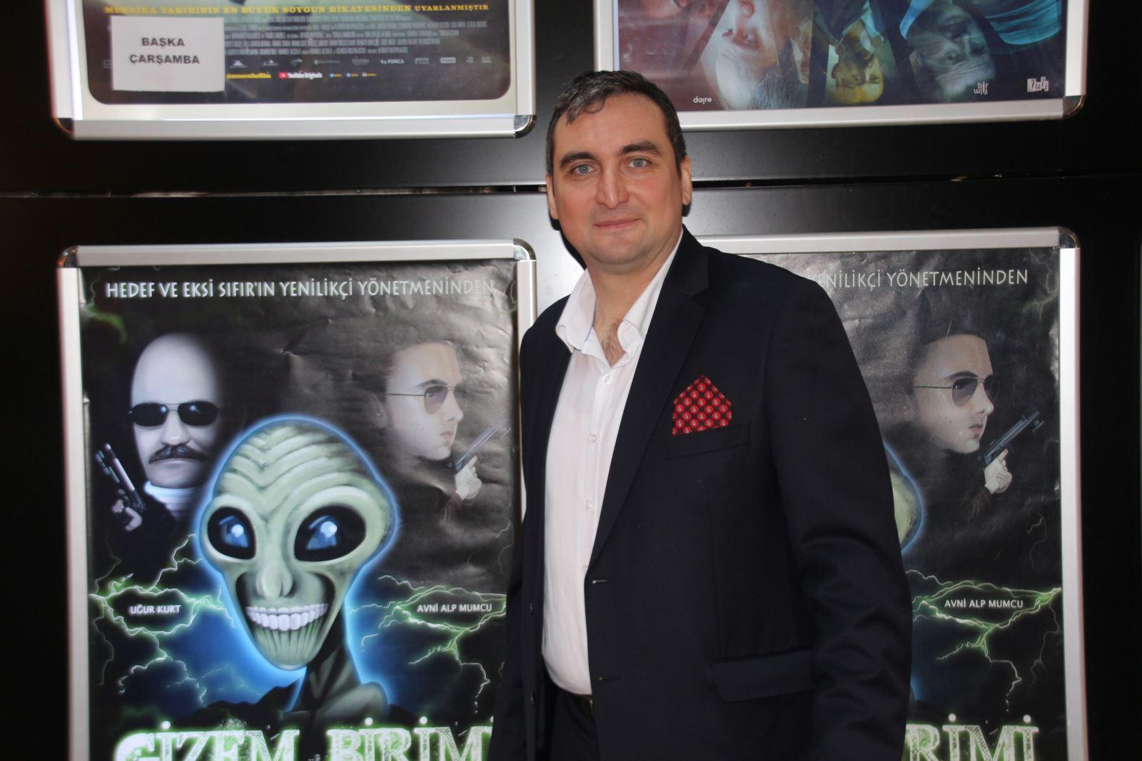 Doç. Dr. Erkut Altındağ'ın 2. Uzun Metrajlı Amatör Filmi 'Gizem Birimi'nin Galası Gerçekleştirildi 2